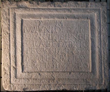 Epigrafe funeraria di Manius Iunius Tranquillus